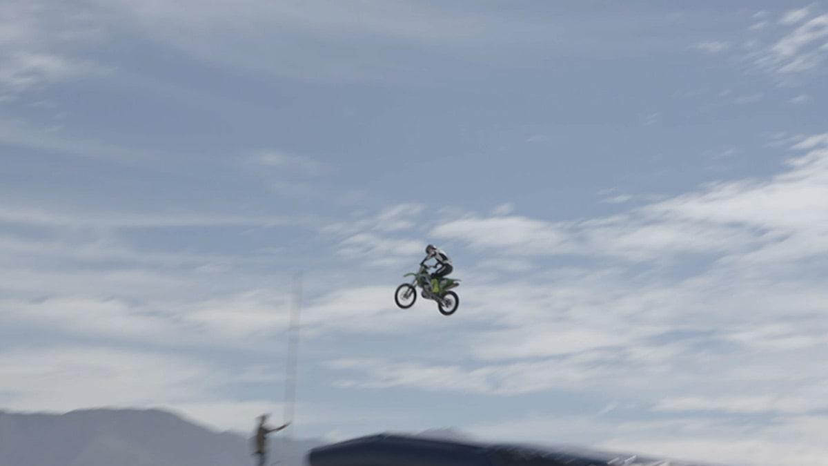 Daredevil Injures Both Ankles in Motorcycle Crash For 'Evel Live 2'