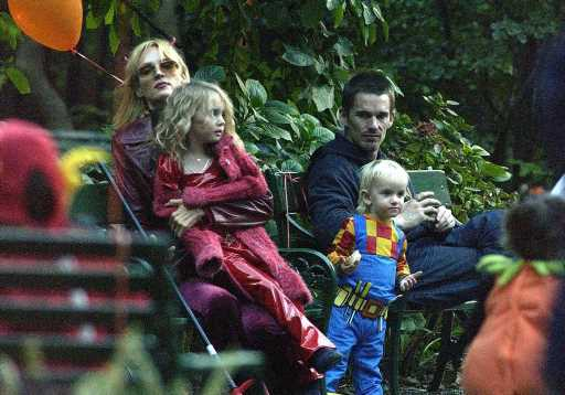 Are Maya Hawke's Parents Uma Thurman & Ethan Hawke Fans Of 'Stranger Things'?