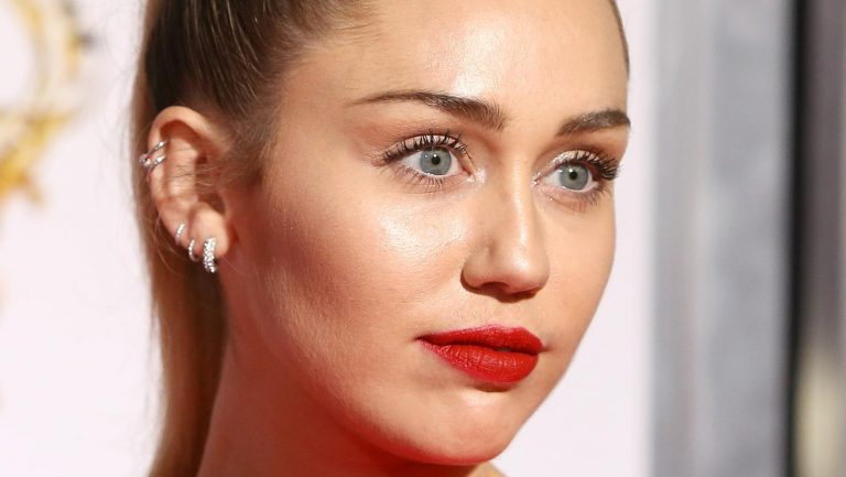 1 In 4 People Think Miley Cyrus Should Date This Celebrity Next