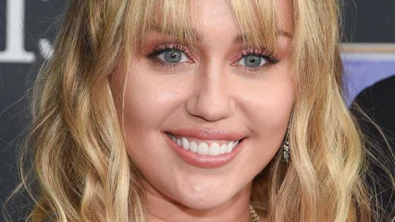 Miley Cyrus New Look Is A Causing A Stir