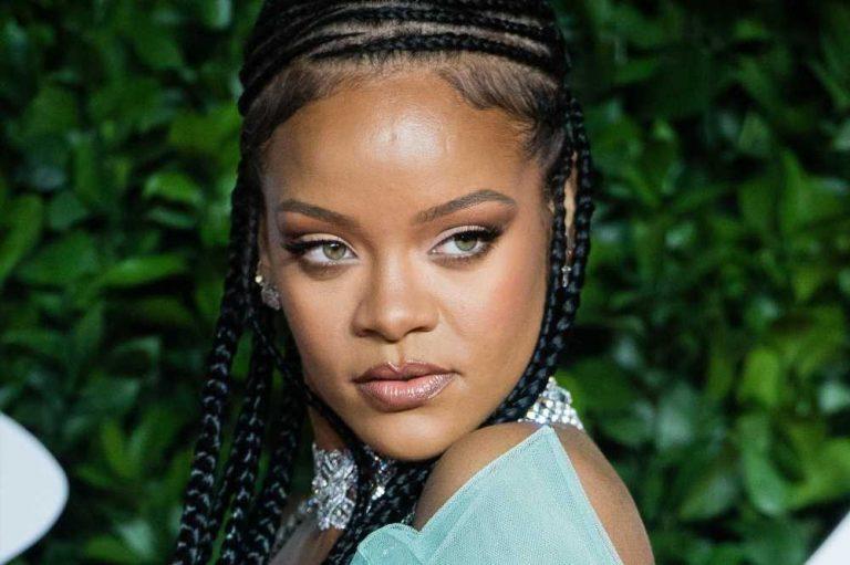 Rihanna teases new Fenty perfume