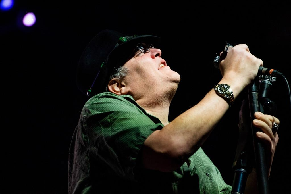 Blues Travelers Tour Bus Crashes, With John Popper Relaying Aftermath in Real Time