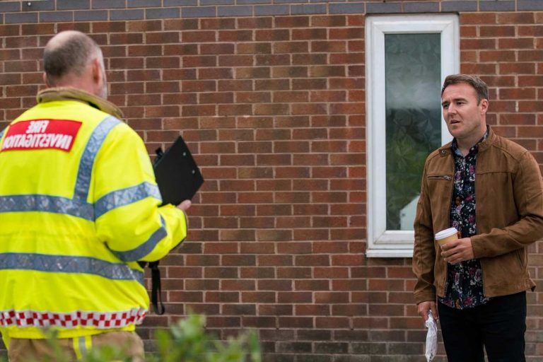 Coronation Street fans open-mouthed at Tyrone Dobbs' OUTRAGEOUS fire safety advice