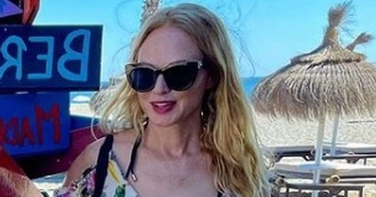 Heather Graham, 51, flaunts ageless beauty as she wows fans in skimpy playsuit