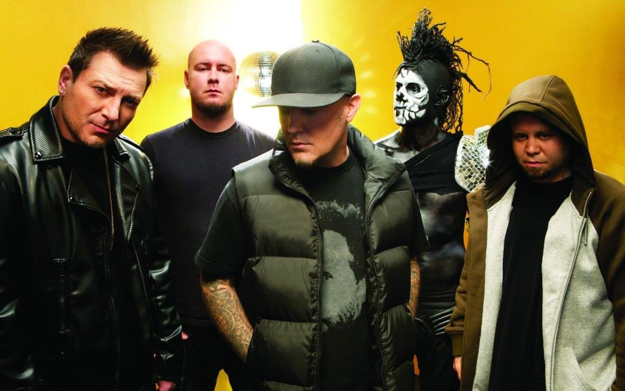 Limp Bizkit Tease New Music After Calling Off All 2021 Gigs