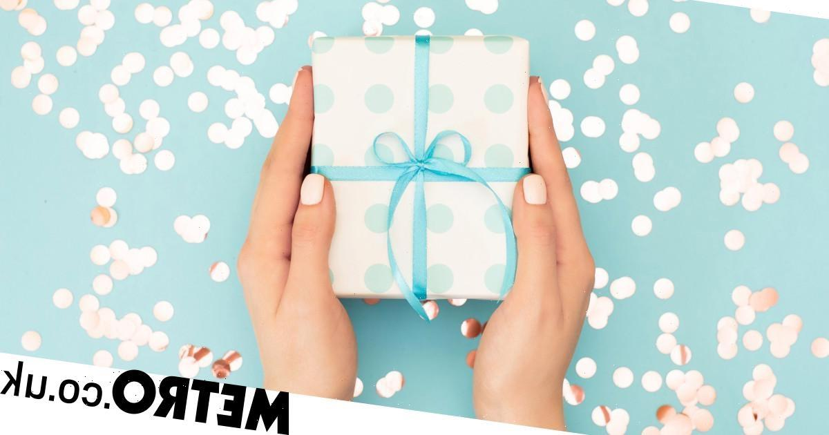 This is how much you should actually be spending on wedding gifts