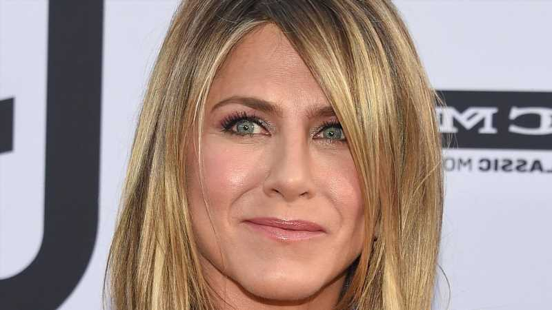What Jennifer Aniston Really Looks Like Under All That Makeup
