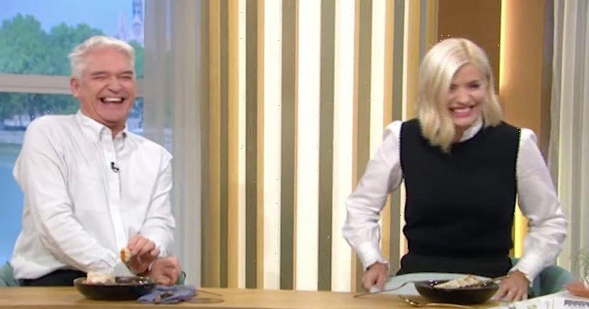 Holly Willoughby and Phillip Schofield in hysterics with 'mini chopper' innuendo