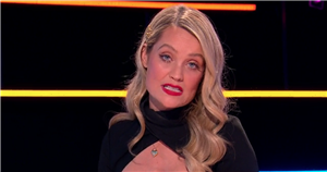 Laura Whitmore says her job is not to organise seating as fans ask why Kaz and Tyler werent on sofa