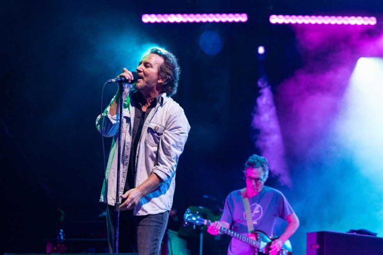 See Pearl Jam Debut 'Gigaton' Songs Live at First Concert in 3 Years