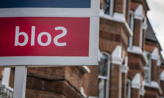 UK house prices dipped by £10k between June and July