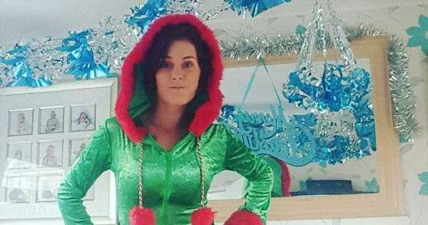 Mum puts up Xmas tree in October and tells 'Grinches' to 'live and let live'